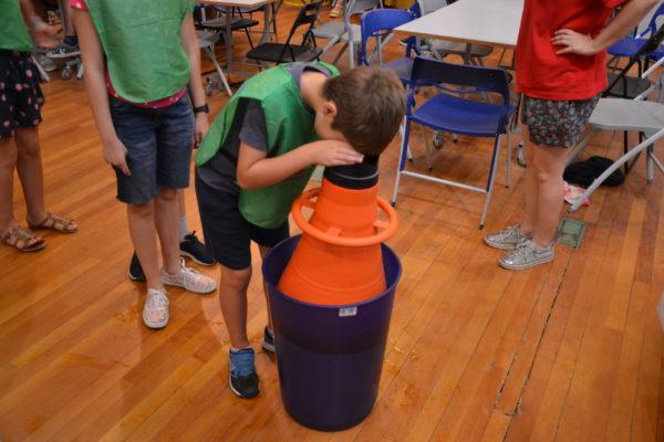 Fotos de las actividades del campamento de verano 2019, durante el d'a dedicado a las especies invasoras.